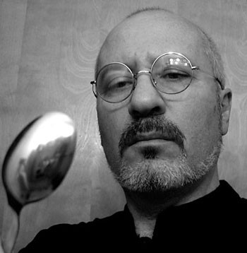 Shimon Edelman contemplates a spoon, à la