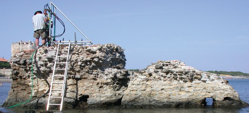 Samples from this Ancient Roman pier, Portus Cosanus in Orbetello, Italy, were s