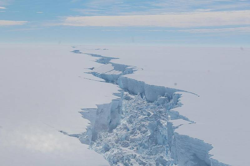 Rift propagation along the Larsen C Ice Shelf. This rift, which led to the calvi