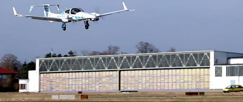 TUM's research aircraft lands fully automatically without ground-based syst