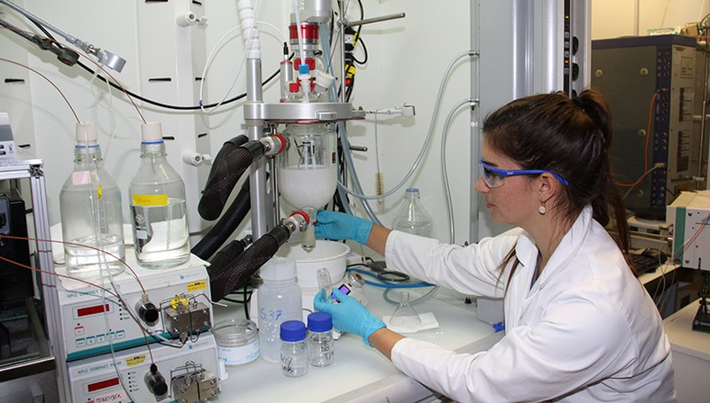 Researcher Denise Mitrano works in the laboratory of the ETH Institute for Chemi