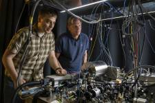 Physicists Jason Hogan and Mark Kasevich are developing a smaller-scale techniqu