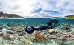 The SVII camera system piloted by Christophe Bailhache in Raja Ampat. © Underwat