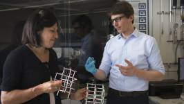 Claudia Cancellieri and Sebastian Siol are investigating heterostructural alloys
