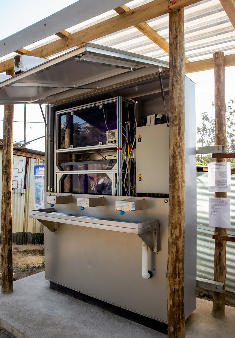 The central part of the mobile handwashing station is the water module from the