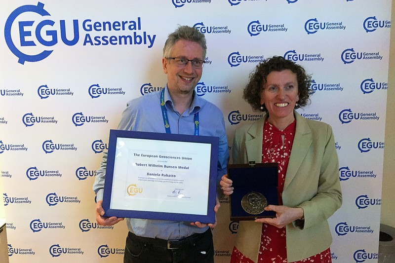 Daniela Rubatto and Mike Burton, president of the Division of Geochemistry, Mine
