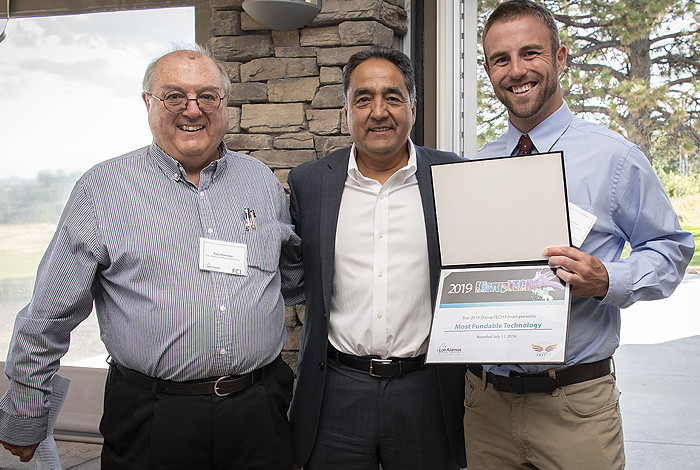Derrick Kaseman (right) receives his award for Most Fundable Technology from Ant