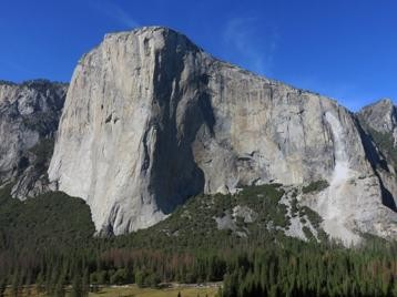 Overview of the southern face of El Capitan after the rockfall events on 27-28 S