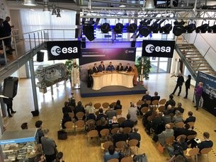 Matthias Maurer graduation ceremony at ESA's EAC in Cologne