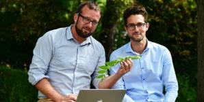 Marc Vogt and Alain Bachmann want to tackle the problem of invasive neophytes a